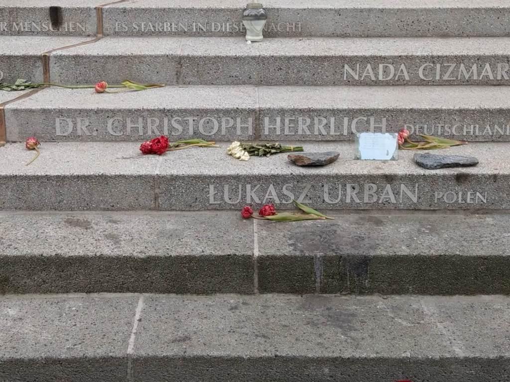 Pomnik ofiar bożonarodzeniowego zamachu terrorystycznego w Berlinie.