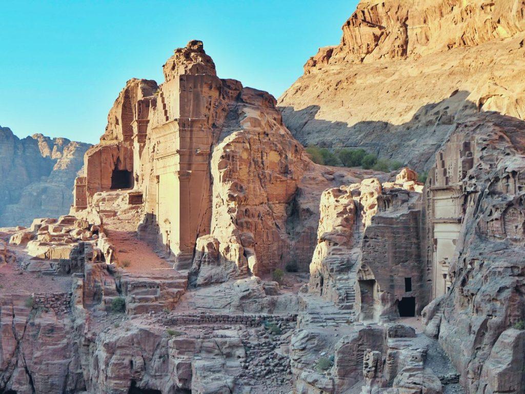 Skalne miast Petra w Jordanii.