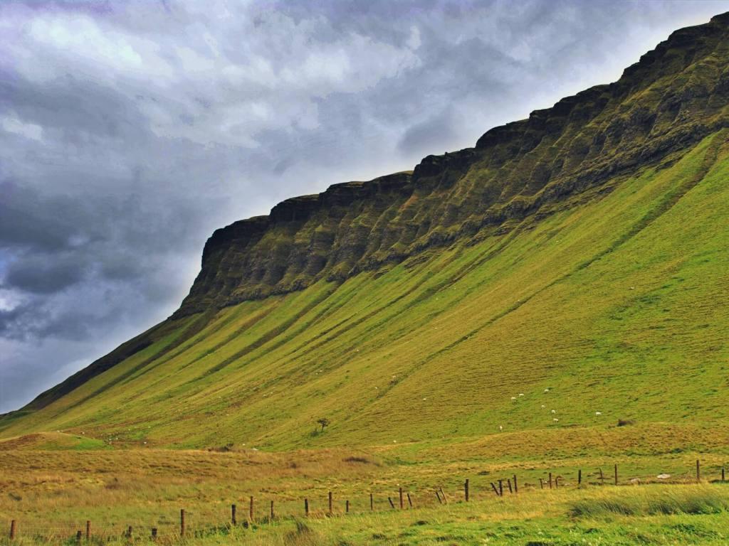 Góra Ben Bulben w hrabstwie Sligo w Irlandii.