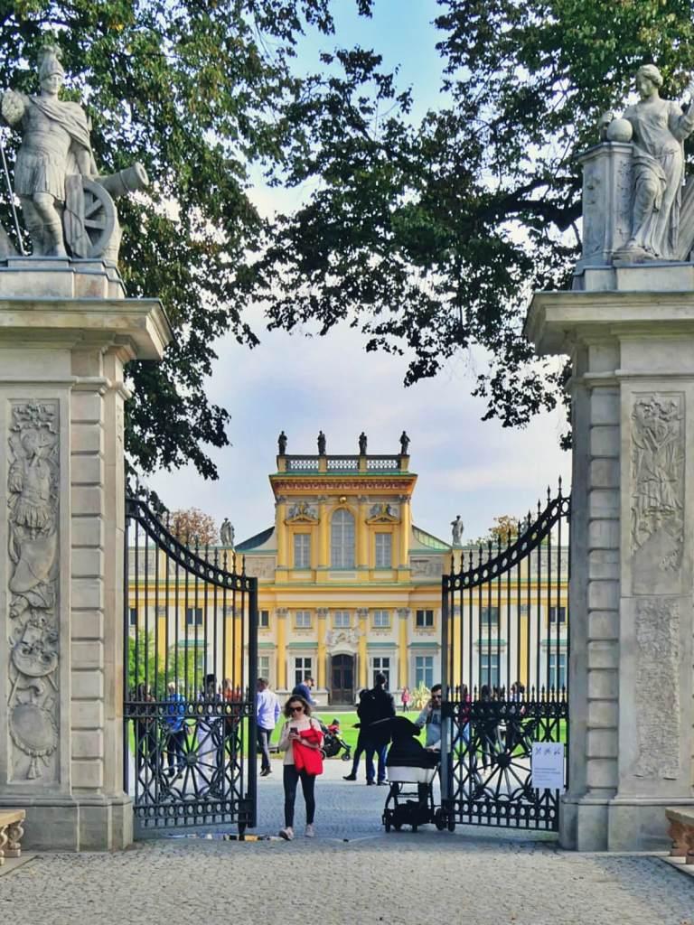 Brama pałacu w Wilanowie.