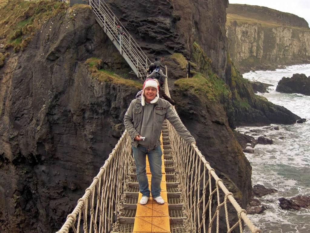 Most linowy Carrick-a-Rede w Irlandii Północnej