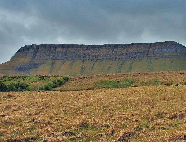 Ben Bulben, góra w Sligo, w Irlandii.