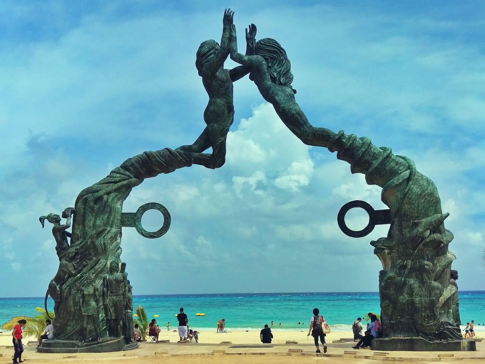 Morska brama w Playa del Carmen w Meksyku.