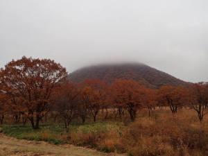 駐車場から見た榛名山