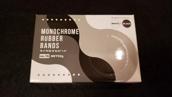 セリアの「モノクロゴムバンド N0.16」のパッケージ箱 表面