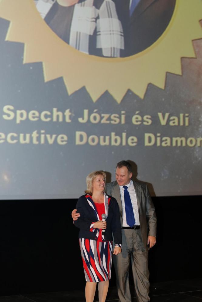 Specht József és Vali Executive Double Diamond lett
