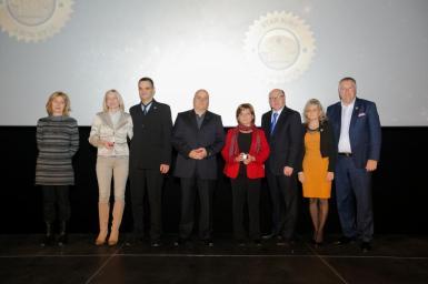 Star Ruby elismerések: 3 Star Agent munkatársuk van