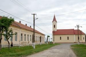 Nagyvarjasi iskola és templom