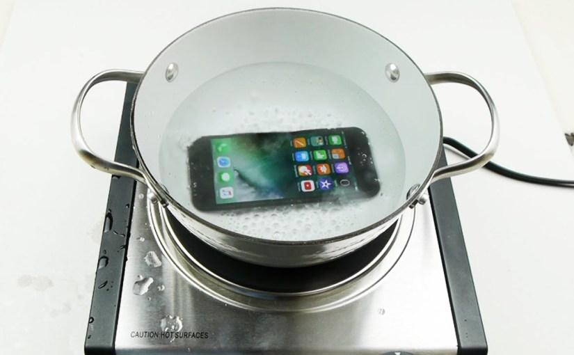 Mi történik ha vízbe esik az iPhone 7?