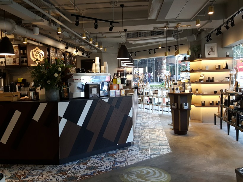 Mellower Coffee @ Bugis, Hail From Shanghai Offering Instagram-worthy Coffee and OOTD Ambience - Interior near entrance