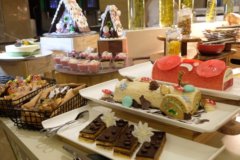 Festive Moments At Ginger, PARKROYAL Beach Road, Christmas 2018 - Dessert Spread