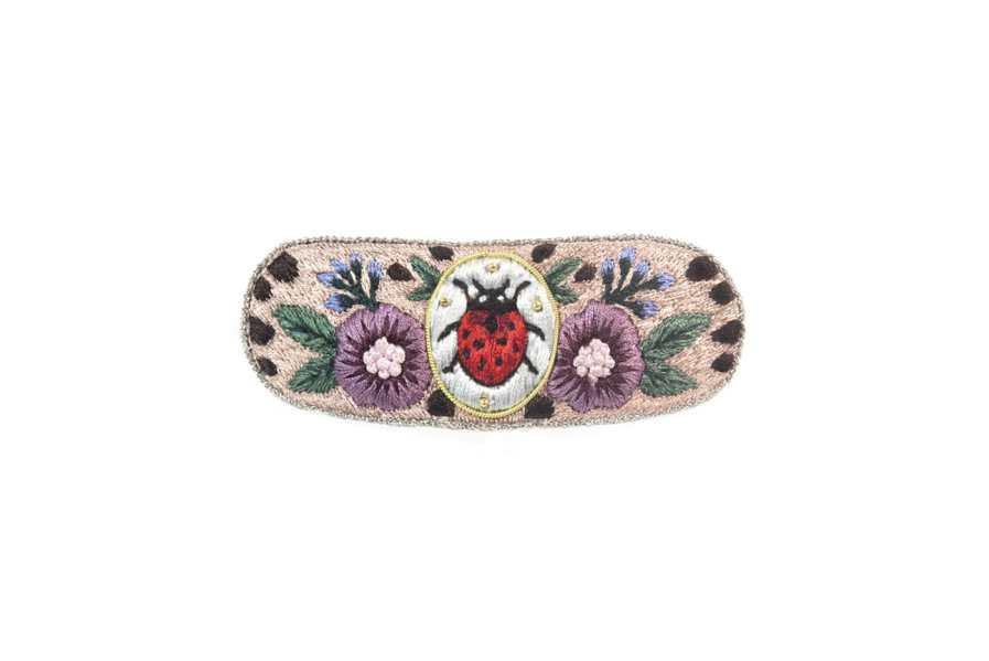 Barrette brodée à la main   Ladybird   Photo 2