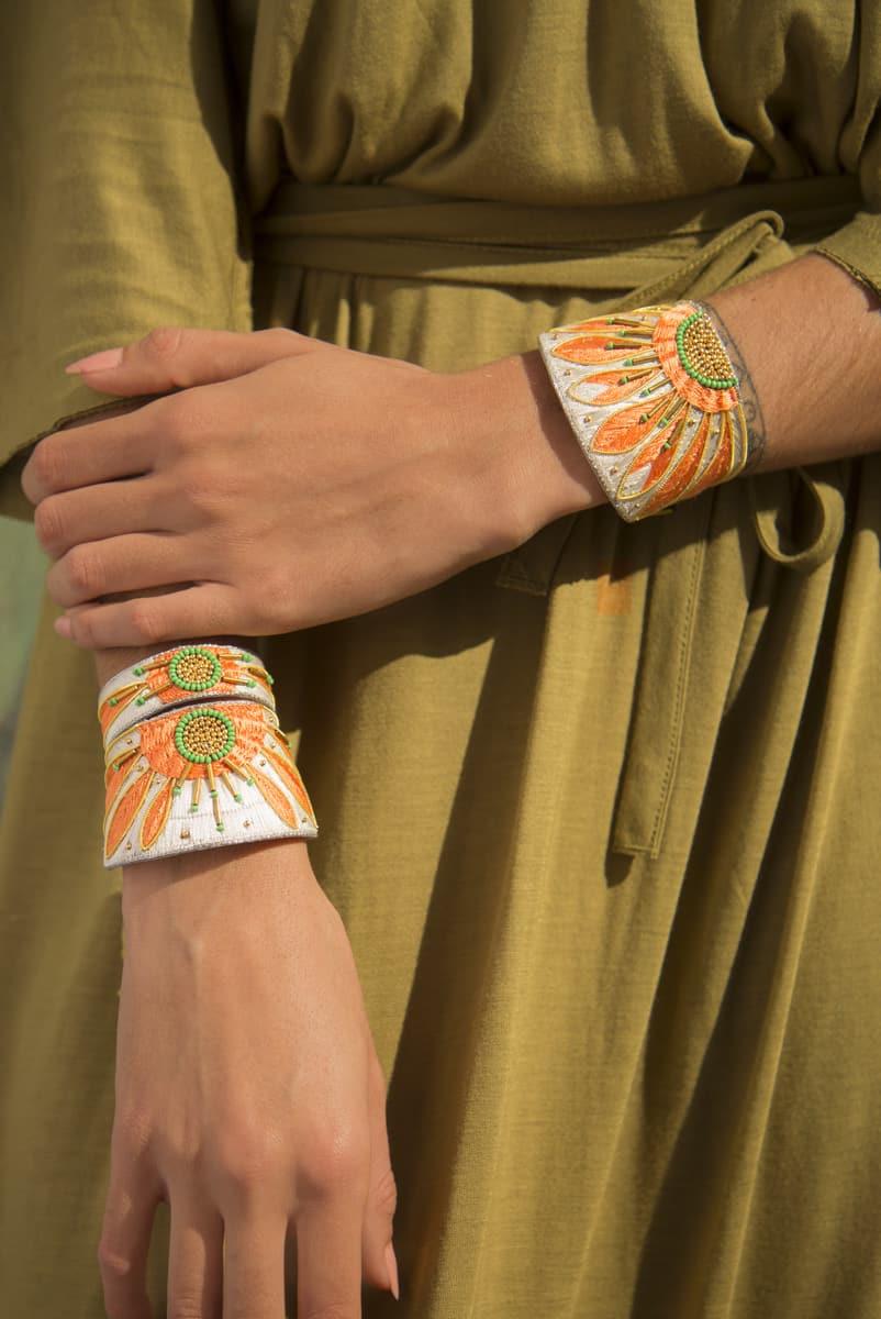 Bracelet ethnique Apache | Apricot/Cream | Photo 1