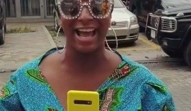 Photo of DJ Cuppy Flaunts Her Samsung S10+, The First Person In Nigeria To Own The Phone