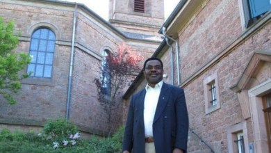 Photo of Nigerian Catholic Priest Gives Up German Parish After Racist And Death Threats