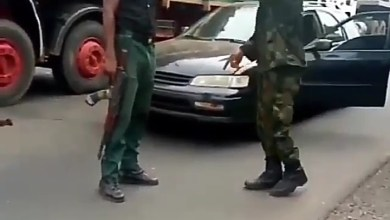 Photo of Moment Police Officer And A Soldier Fights Over Superiority