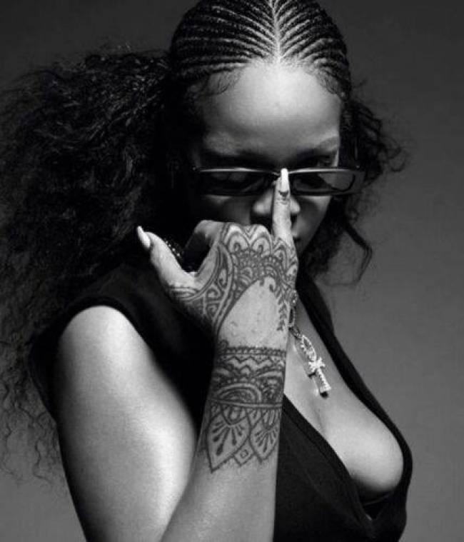 Mp3 Rihanna – Same Old Love