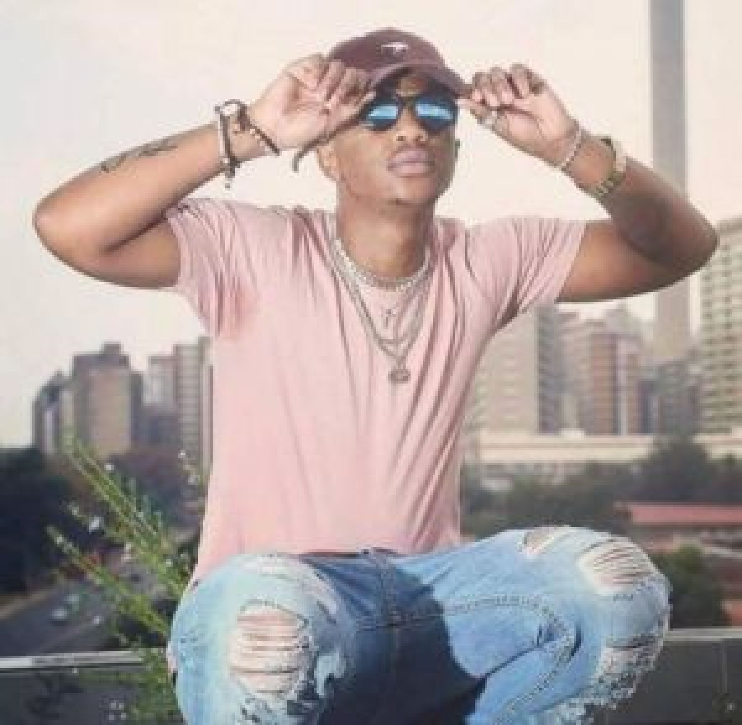 DOWNLOAD MP3: Emtee – Goes Electro ft. A-Reece