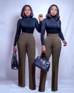 Chidinma And Chidiebere Aneke Twins And Their Top 10 Lookalike Pictures Checkout some of the lovely and Shocking Pictures of Popular Aneke Twins ….. Look Alike like never before.