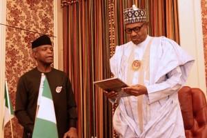 Osinbajo Presents Christmas Card To Muhammadu Buhari (Pictures)