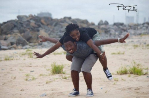 couple's pre-wedding engagement shoot at beach