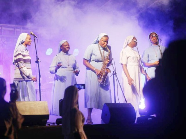 Reverend Sisters Performing at the Praise Concert
