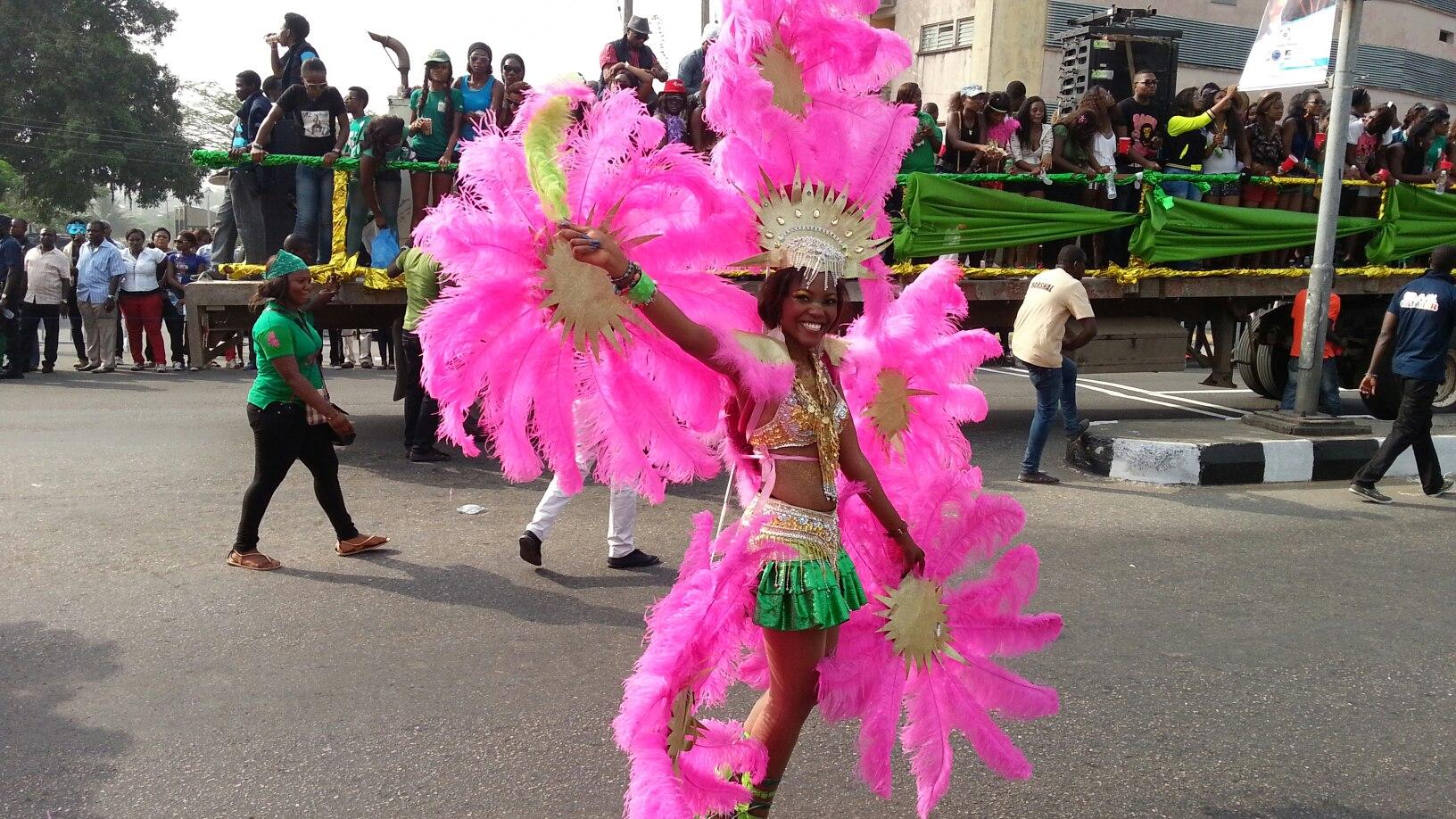Photos Calabar Girls At The Carnival 2012 - Naijalog-2929