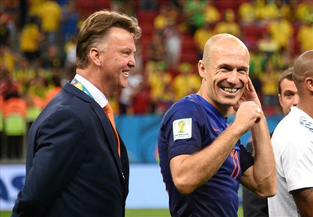 Van-Gaal-Robben-July2014