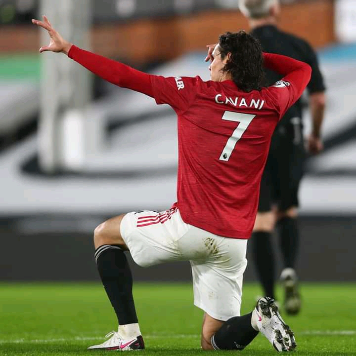 Cavani Signs New Contract at Manchester United, See Reasons