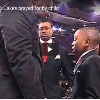 Watch As Bishop TD Jakes Got Prayed For By A Child