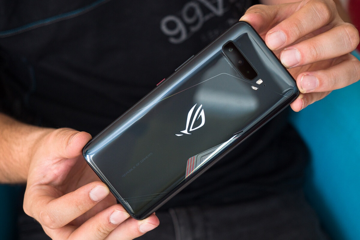 Mobile gamers rejoice the Asus ROG Phone 3 5G beast is shipping in the US at last - Best Gaming Phones In 2021