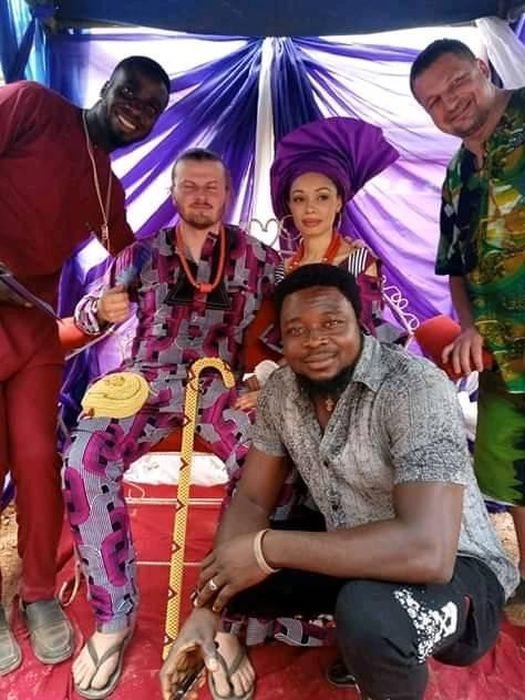 THIS IS TRENDING!! White Man Wears Slippers At His Traditional Wedding To Nigerian Lady In Enugu (Photos)