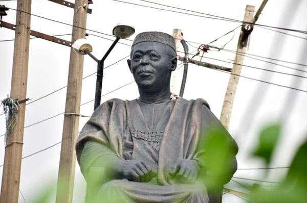 Hoodlums Steal Obafemi Awolowo's Glasses From Statue As Looting Continues In Lagos (See Photos)
