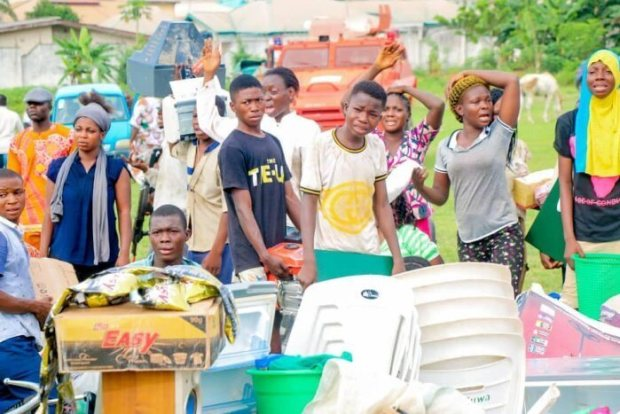IS THIS A JOKE? Looters Complies With Gov Oyetola's 72-hour Ultimatum, Return Stolen Items