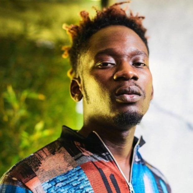 Mr Eazi wants Son to Start Boxing at 6 Months after Watching Anthony Joshua Pocket N30 Billion in Pulev Win