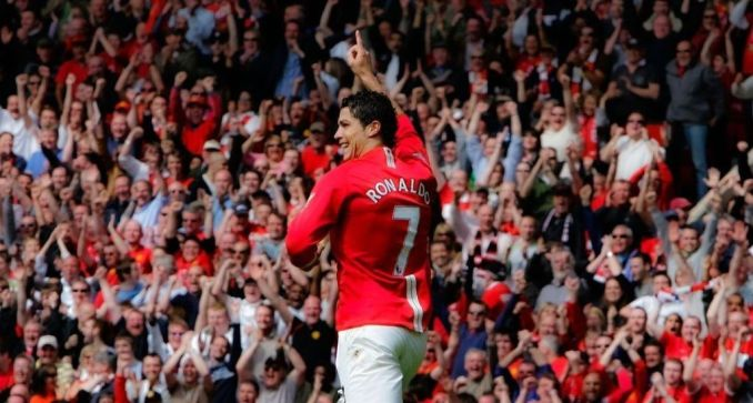 """""""Sir Alex Ferguson this one is for you"""" Cristiano Ronaldo says as he formally applaud Man United"""