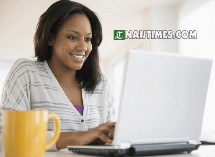 Lady raises $2,380 by selling videos of her feet online-