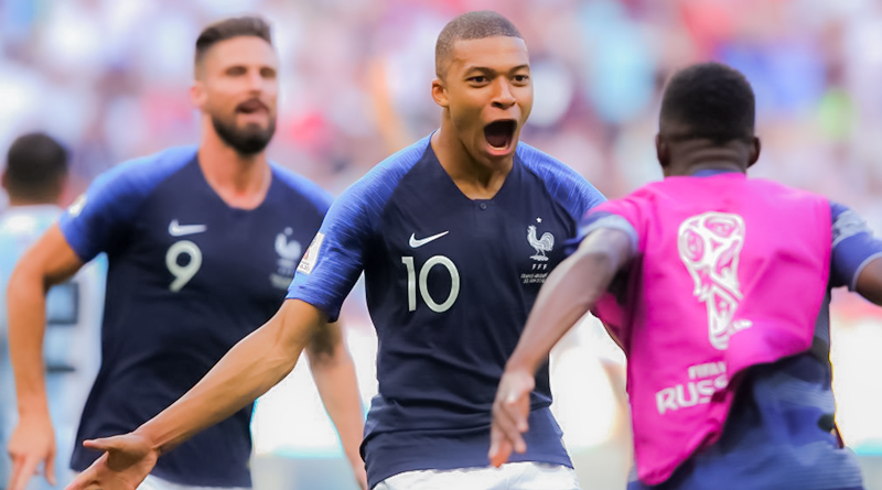 Франция обыгрывает Аргентину в 1/8 финала ЧМ со счетом 4:3