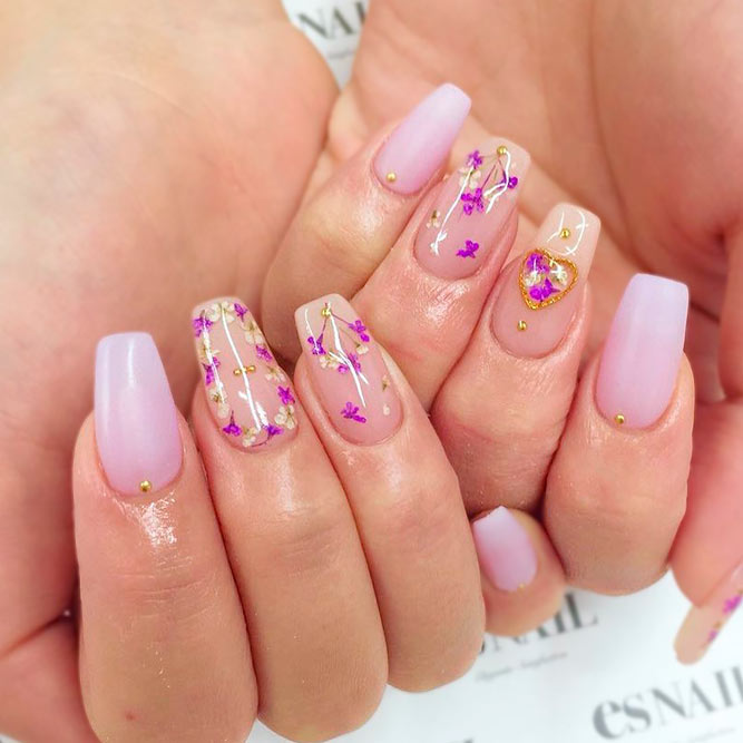 Amazing Dried Flowers On Your Nails picture 3