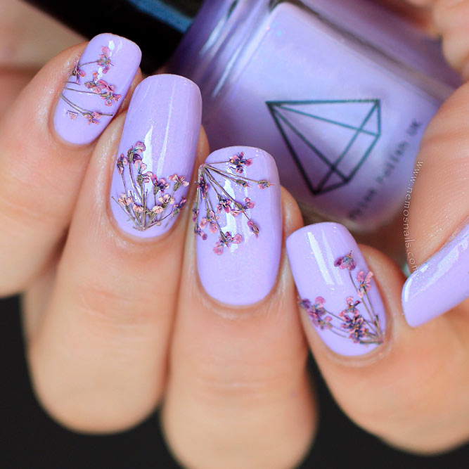 Amazing Dried Flowers On Your Nails