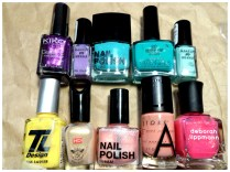 Here are the polishes I used ^^,