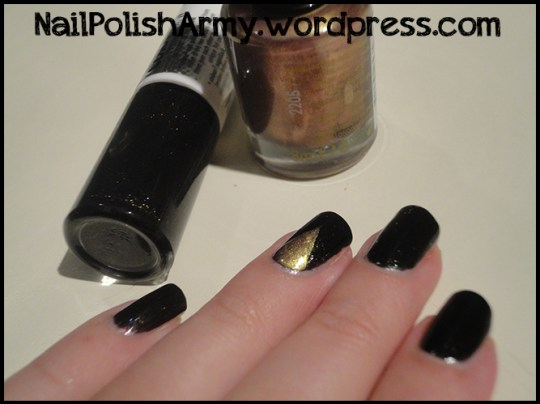 Essence-colour3-polish-ticket-to-the-show-rimmel-metal-rush-gold-save-the-queen