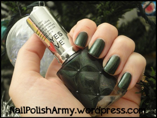 Nail-polish-esmalte-nagellack-yes-love-forest-green-shimmer
