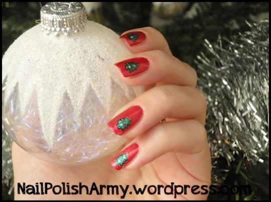 xmas-manicure-nails-decals-viva-la-nails-christmas-trees-rimmel-60-seconds-metal-rocknred-408
