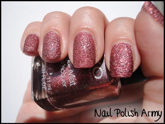 Kiko-sugar-mat-645-bordeaux-burgundy-swatch-effetto-zucchero