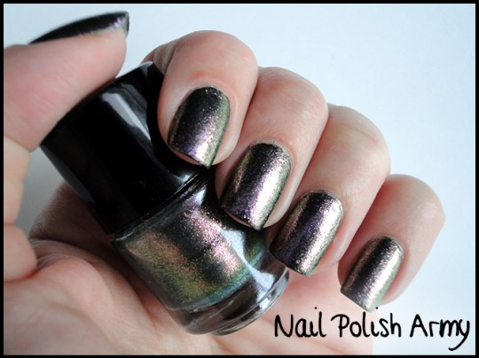 Primark-nail-polish-set-smalti-duochrome-metallic-2
