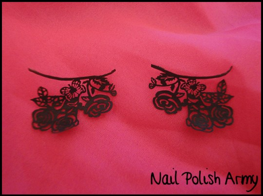 Stargazer-paper-lashes-falsies-ciglia-finte-in-carta-rose-flowers-closeup