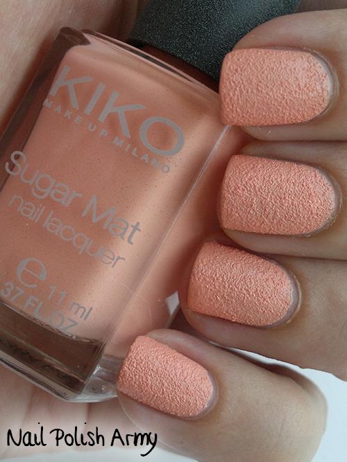 Kiko-Sugar-Mat-631-Pesca-Peach-swatch-sand-effect-nail-polish-smalto-effetto-sabbia