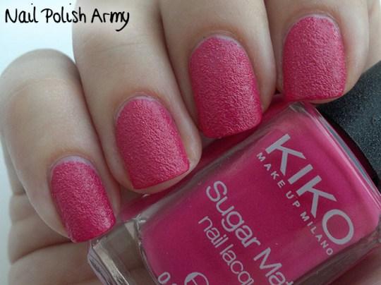 Kiko-Sugar-Mat-633-Magenta-swatch-sand-effect-nail-polish-smalto-effetto-sabbia