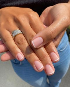 Short natural nails French Manicure